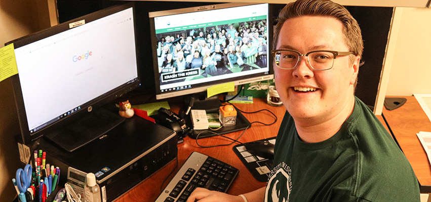 UWGB Help Desk Helping Students