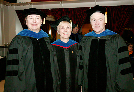 Photo: Prof. Lynn Walter and Prof. Robert Howe with Provost and Vice Chancellor for Academic Affairs Sue K. Hammersmith.