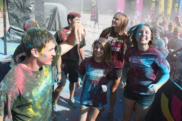 UW-Green Bay students participate in a color run.