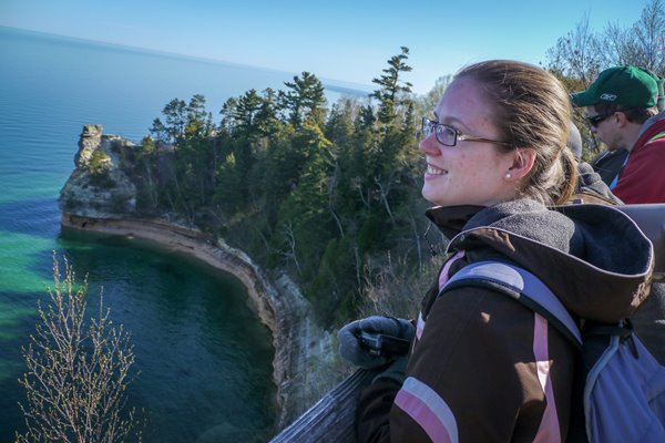 UW-Green Bay students overlook a cliff.