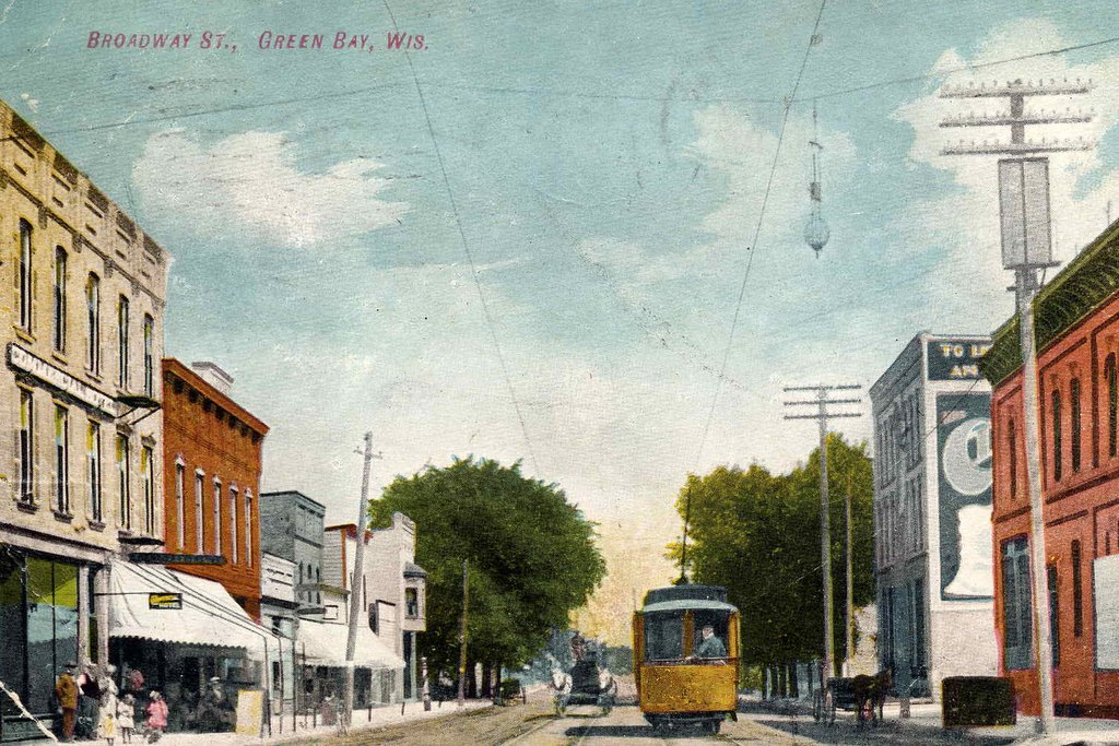 A postcard of Broadway Street in Green Bay circa 1909