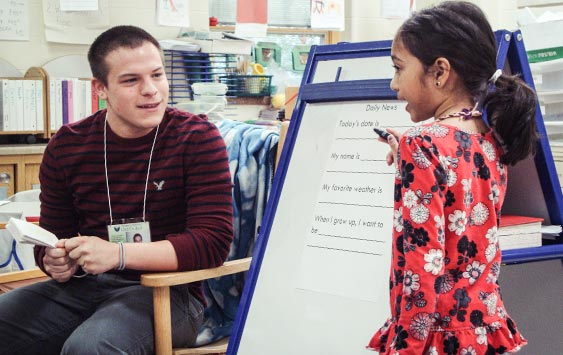 Matt Daily student teaching at an elementary school in the UW-Green Bay Education program.