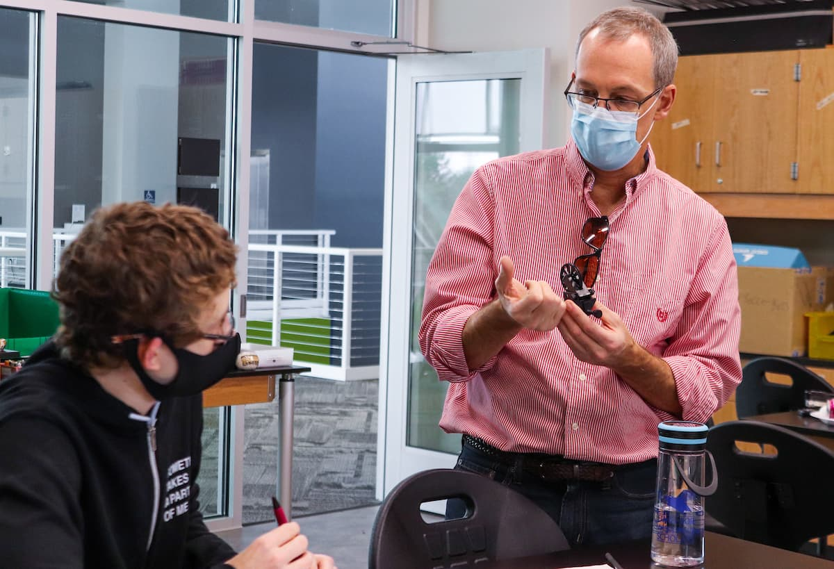 teaching in a lab with masks at uwgb